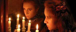 Гадание с зеркалом и свечой